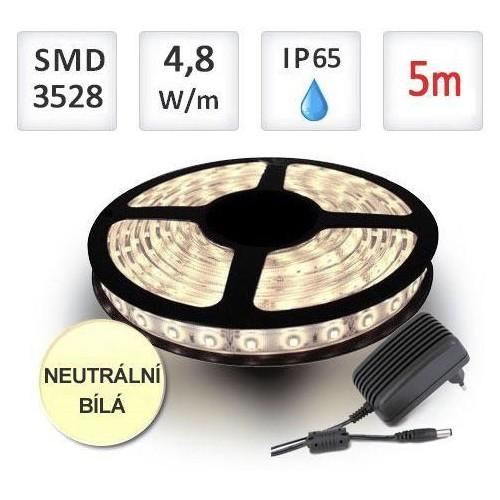 SADA LED pásek 5m 4,8W/m 60ks/m 2835 voděodolný NEUTRÁLNÍ + Zdroj